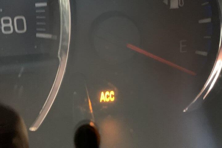 ACCボタン点灯