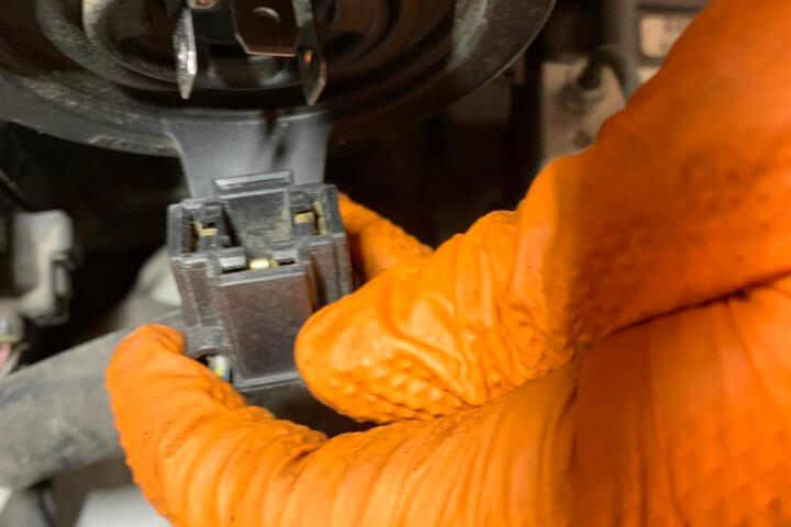 タントL375ヘッドライト交換5