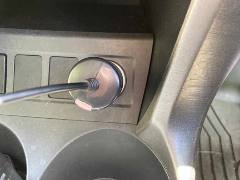 ドライブレコーダー シガーソケットから電源を取る