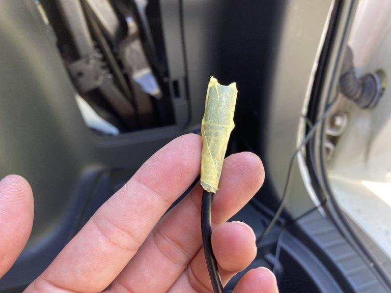 リアのドライブレコーダー取付け 蛇腹