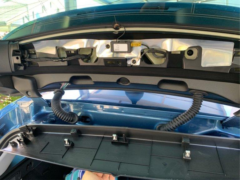 リアのドライブレコーダー取付け ユピテル SN-SV60d
