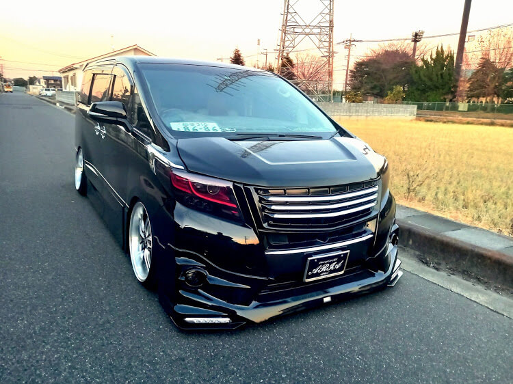 トヨタ アルファード AGH30W