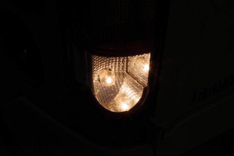バックランプ LEDとハロゲン比較